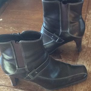 Leather boots sz 7  1/2
